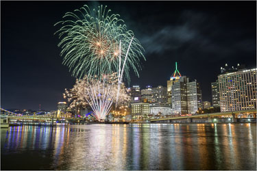 How-Pittsburgh-Lights-Up-The-Night.jpg