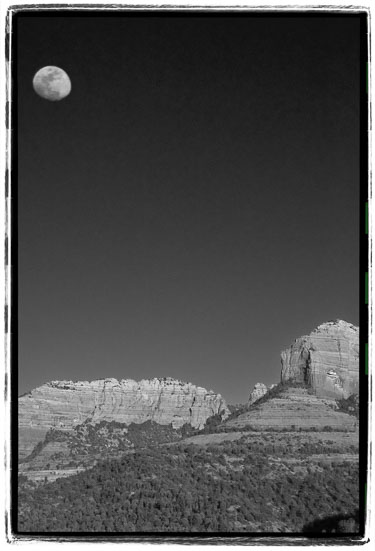 Moon-Over-Redrocks-(B-W).jpg